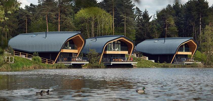 Waterside Lodges with hot tubs | Waterside breaks & holidays