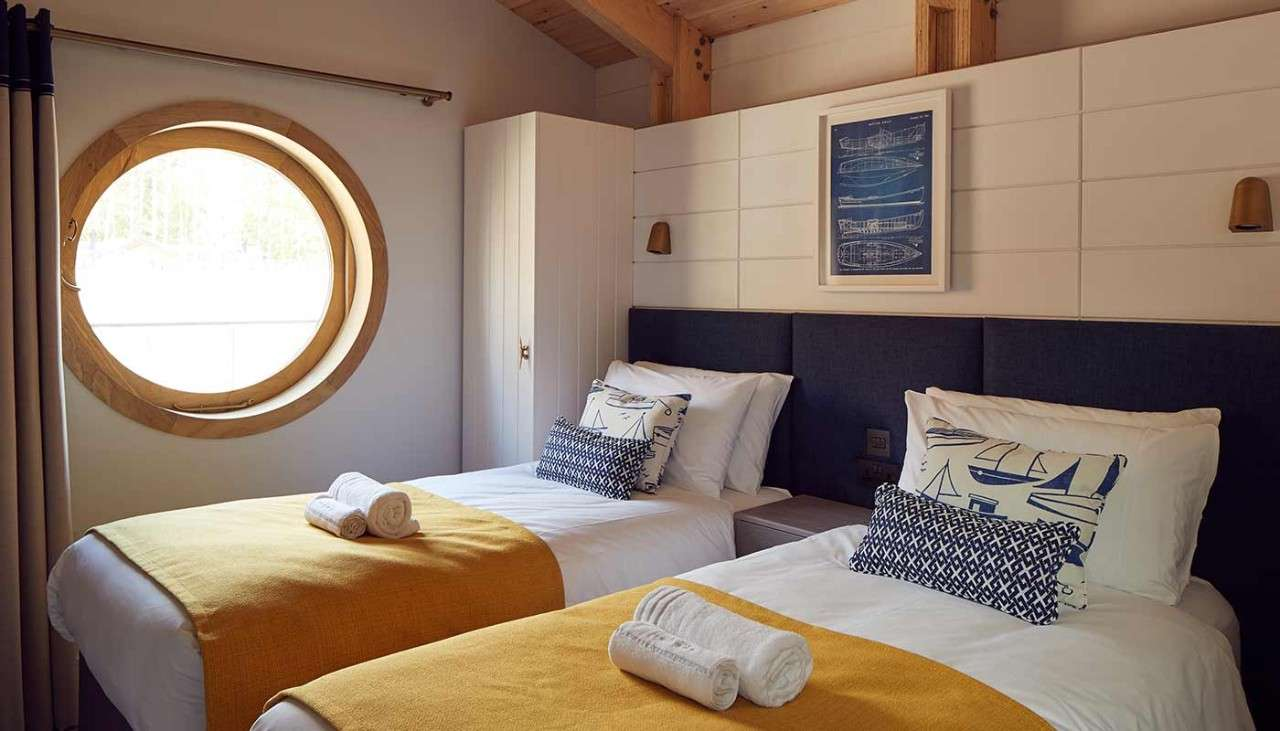Waterside twin beds