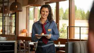 Caras Kitchen Waitress